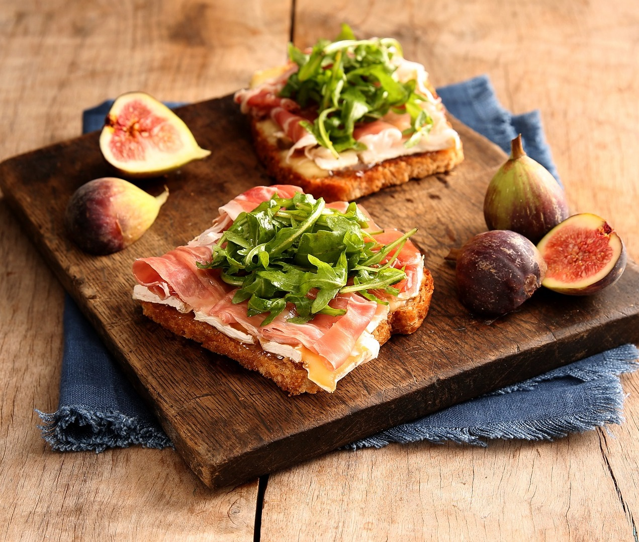 Open-Faced Grilled Cheese with Prosciutto and Fig Jam ...